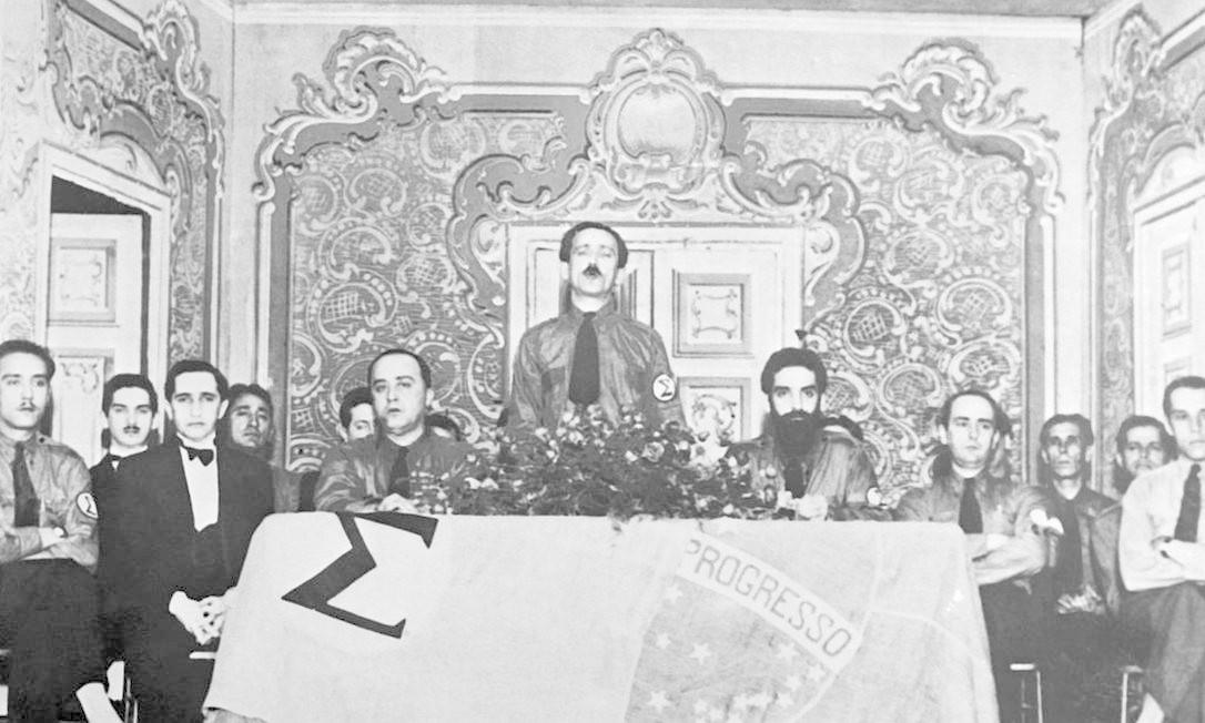 Os integralistas Plinio Salgado e Gustavo Barroso Foto: Keystone-France / Gamma-Keystone via Getty Images