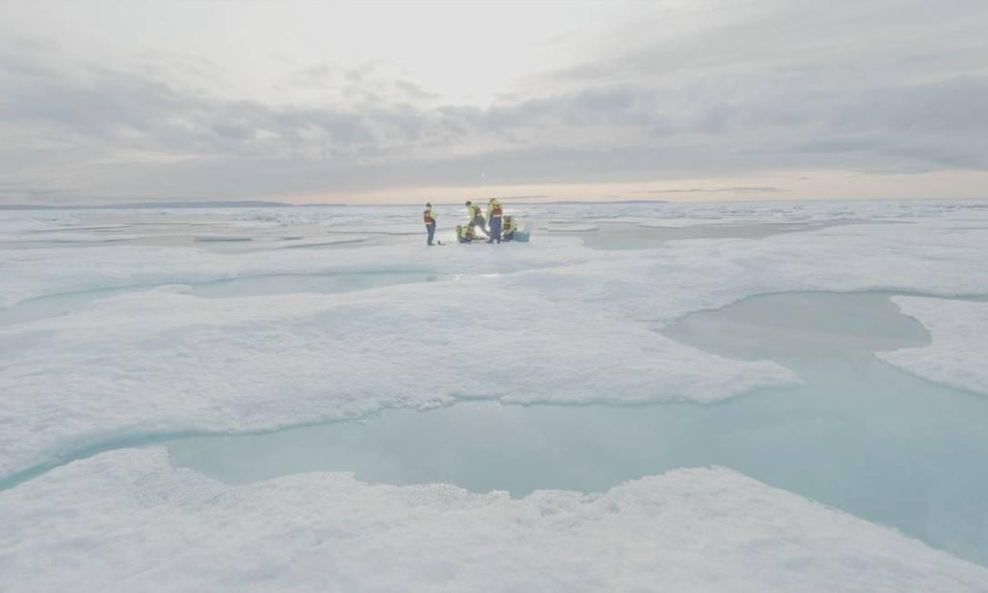 Pesquisa encontrou mais de 10 mil partículas de plástico por litro no Ártico Foto: Duncan Clark/Reuters/14-8-2019