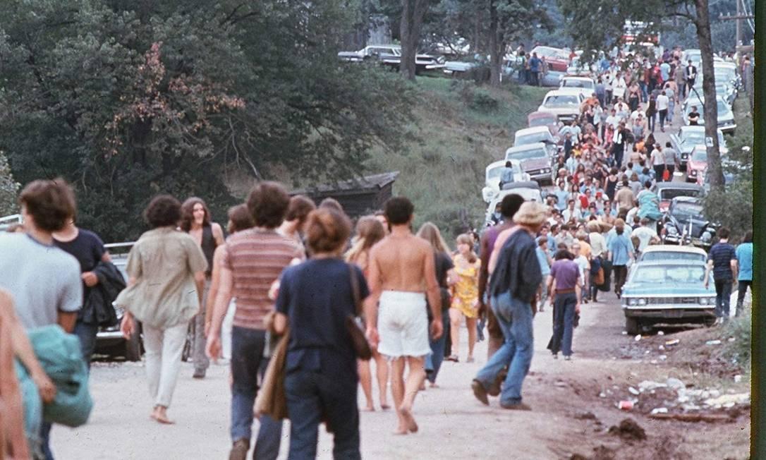 Cena do documentário 'Woodstock — 3 dias de paz, amor e música', de 1970 Foto: Reprodução
