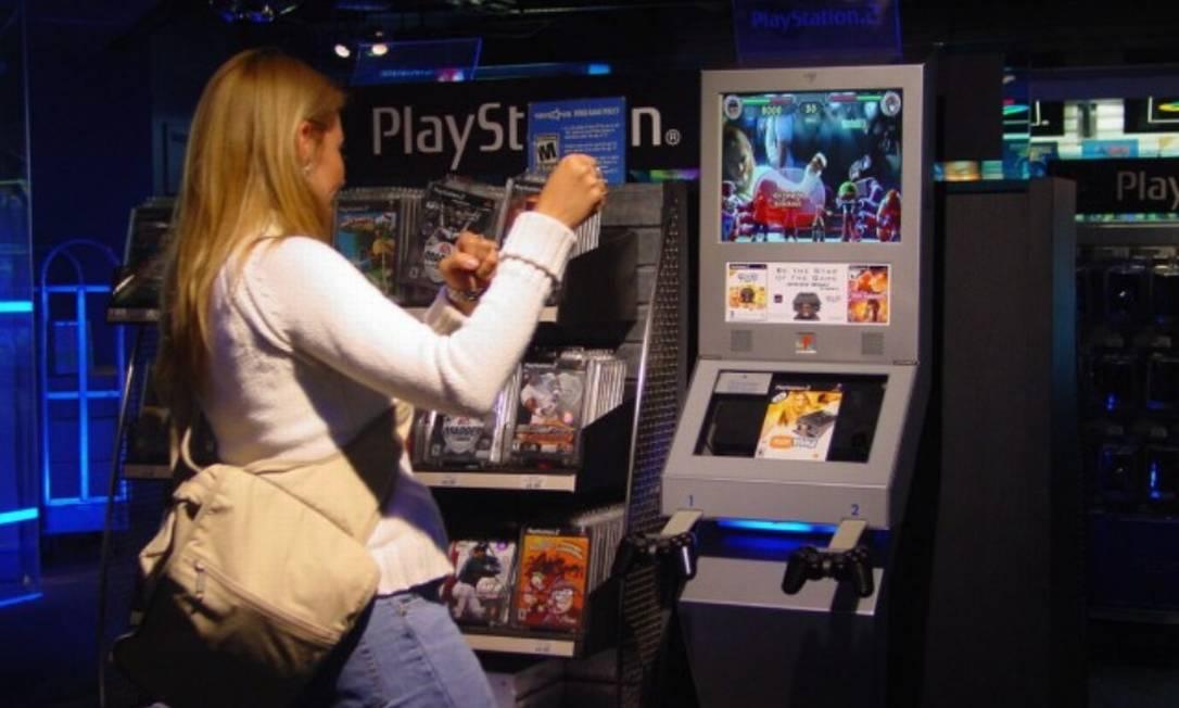 Pelo decreto assinado por Bolsonaro, consoles e máquinas de jogos de vídeo, de forma geral, terão o IPI reduzido de 50% para 40% Foto: Glauce Cavalcanti- Foto Arquivo/Agência O Globo