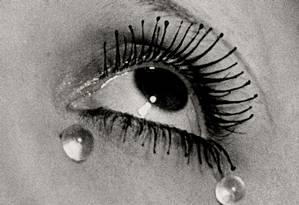 'Tears', famosa fotografia dos anos 1930, foi usada como cartaz da mostra