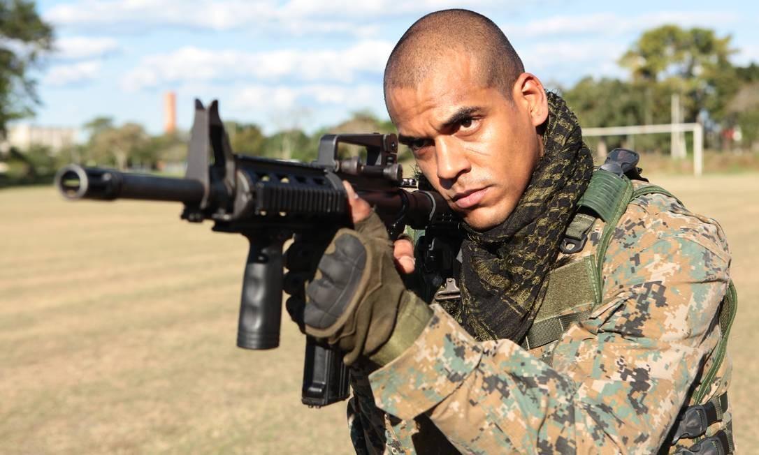 Marcello Melo Jr. vive o sargento do Bope Mikhael Afonso em 'Arcanjo renegado', do Globoplay Foto: Carlos Fofinho / Divulgação