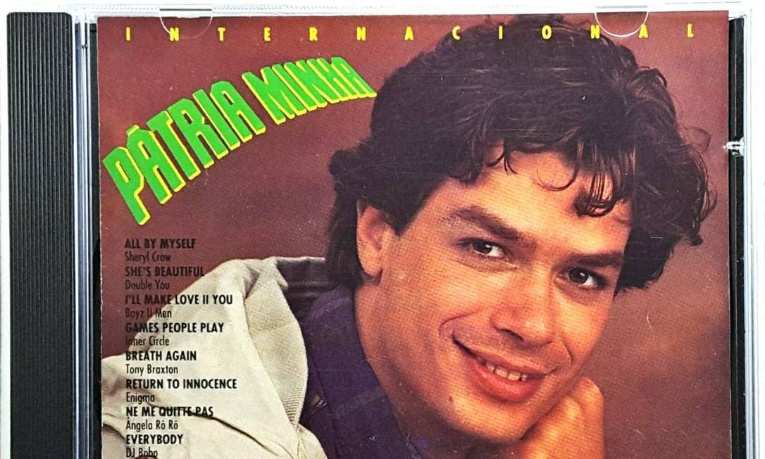 """O ator na capa do CD com a trilha sonora internacional de """"Pátria minha"""", (1994), primeira novela de Gilberto Braga na qual atuou Foto: Divulgação"""