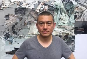 O pintor chinês Li Songsong Foto: Marcelo Ninio