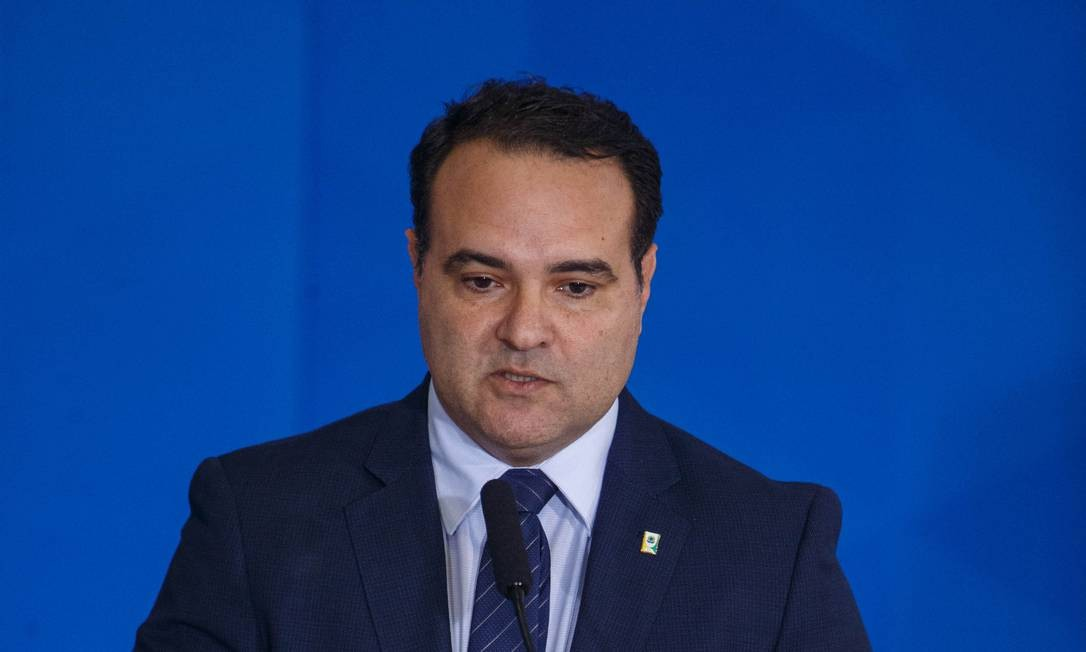 O ministro Jorge de Oliveira falou em criar um novo projeto para ser discutido de forma mais detalhada Foto: Daniel Marenco / Agência O Globo