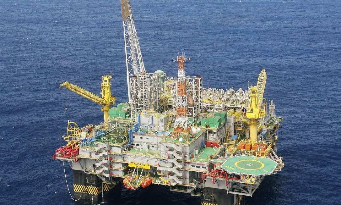 Em um dos casos, a Petrobras reportou um volume vazado inferior ao real Foto: Agência O Globo