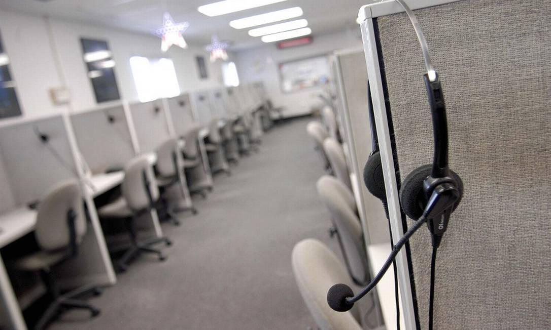 Automatização de setores como call centers afeta empregos. Foto: Agência O Globo