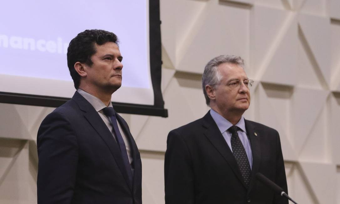O ministro Justiça e Segurança Pública, Sergio Moro, e o presidente do Coaf, Roberto Leonel Foto: Valter Campanato/Agência Brasil
