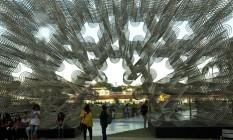 A instalação 'Forever bicycles', de Ai Weiwei, montada na área externa do CCBB Foto: Antonio Scorza / Agência O Globo