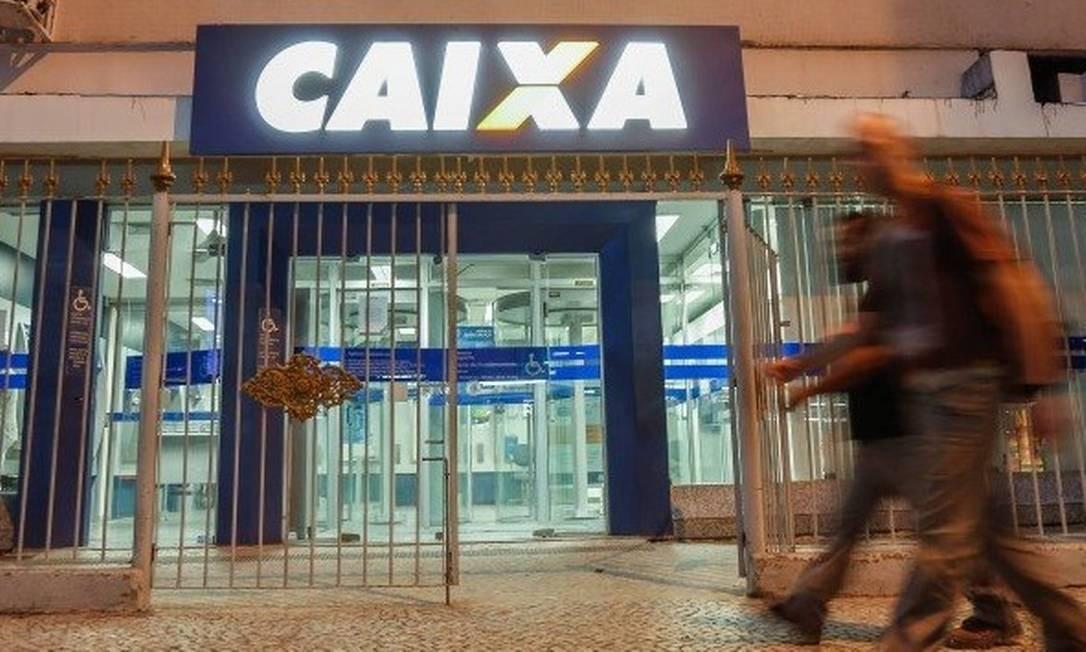 Caixa Econômica Federal, no Centro do Rio Foto: Marcelo Regua - Agência O Globo