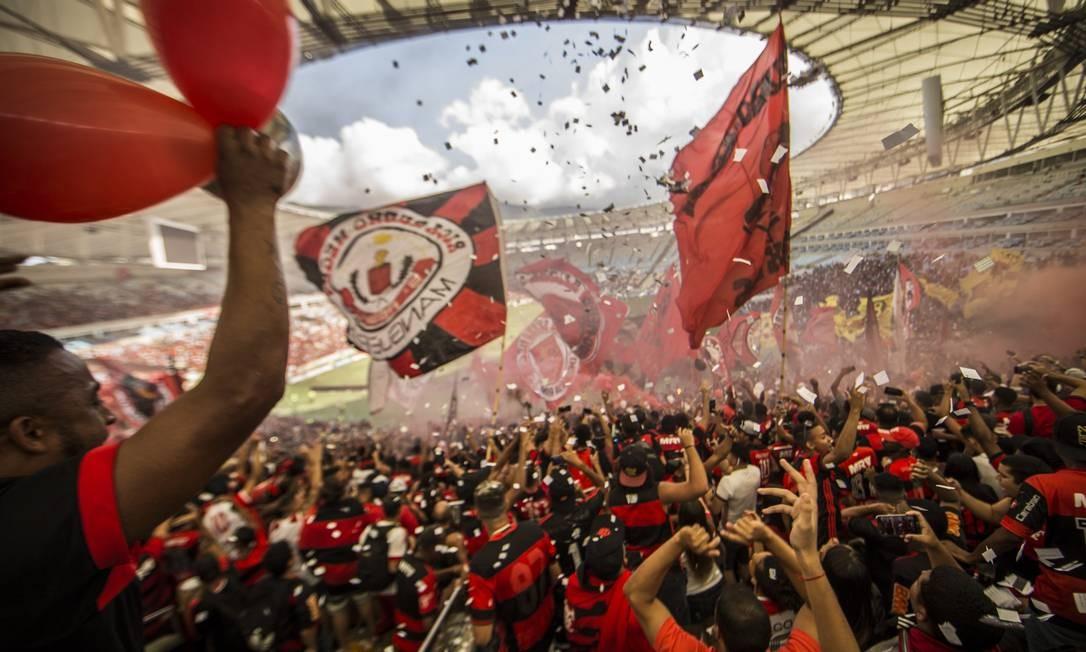 Treino aberto do Flamengo no Maracanã atrai 45 mil torcedores, na véspera do jogo contra o Independiente Santa Fé, pela terceira rodada da fase de grupos da Libertadores - 17/04/2018 Foto: Guito Moreto / Agência O Globo