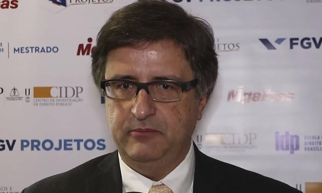 O subprocurador Paulo Gonet, que já foi sócio do ministro do STF Gilmar Mendes, foi recebido pelo presidente Bolsonaro no início de agosto e corre por fora na disputa pela PGR Foto: Reprodução