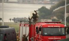 sequestro de ônibus na ponte rio niterói Foto: Fabiano Rocha / Fabiano Rocha