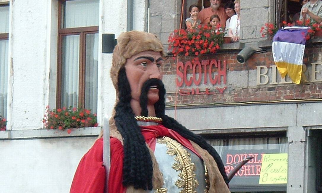 Um dos personagens do carnaval de Ath Foto: Reprodução
