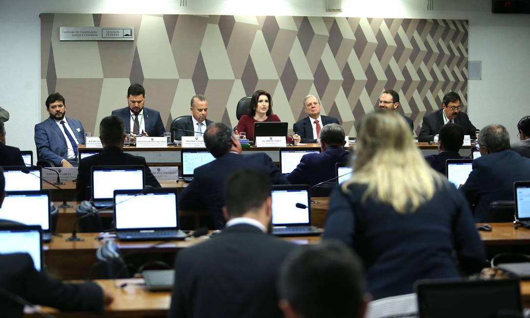 A Comissão de Constituição e Justiça (CCJ) do Senado Federal debate sobre a reforma da Previdência Foto: Jorge William / Agência O Globo
