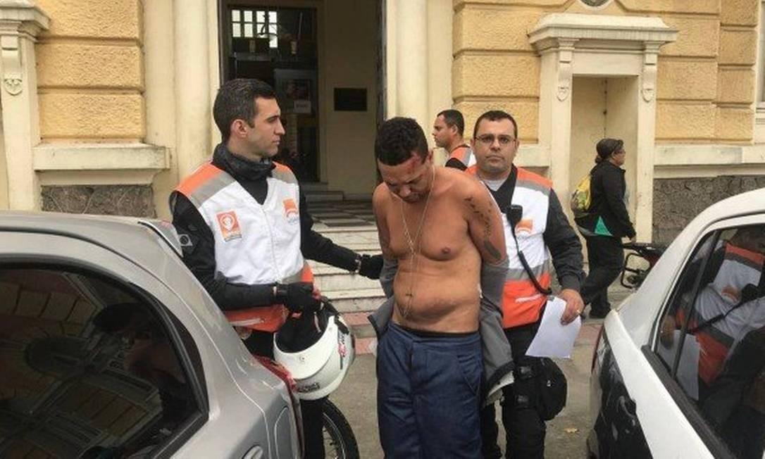Luiz André Silva de Carvalho foi preso por agentes do Niterói Presente Foto: Gustavo Goulart