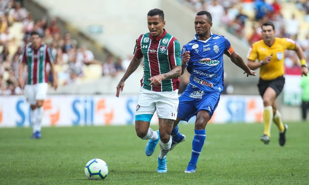 CSA e Fluminense, que se enfrentaram no domingo, já têm patrocínio de sites de apostas na camisa Foto: Lucas Merçon / Fluminense FC/Divulgação