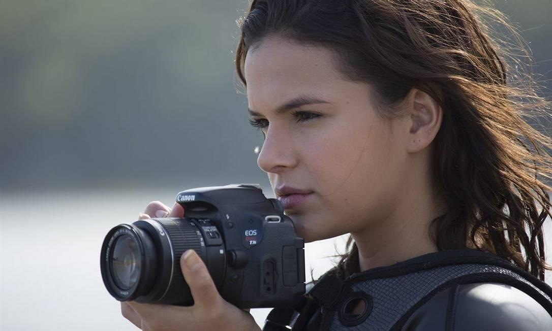 Bruna Marquezine em cena de 'Vou nadar até você' Foto: Divulgação