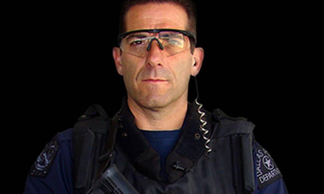 O agente Christian D'Angello, da SWAT, divisão de armas e táticas especiais dos Estados Unidos Foto: Divulgação