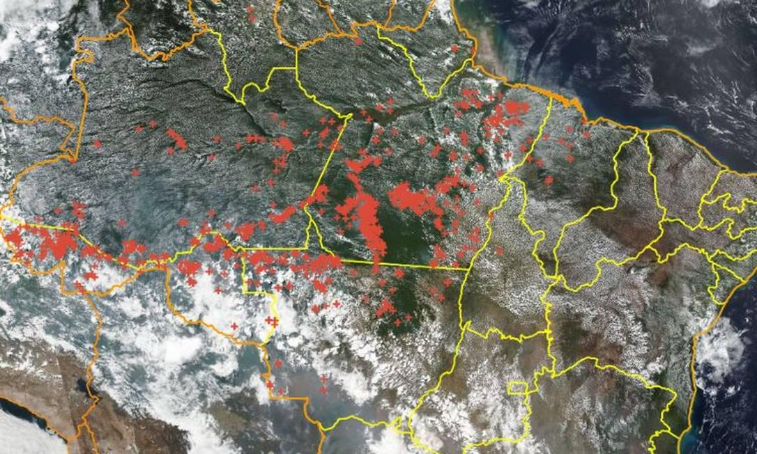 Imagem de satélite do Inpe mostra focos de queimadas na região amazônica Foto: Reprodução/Inpe