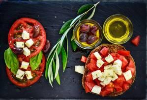 Dieta mediterrânea está associada a hábitos alimentares de pessoas longevas Foto: Pixabay