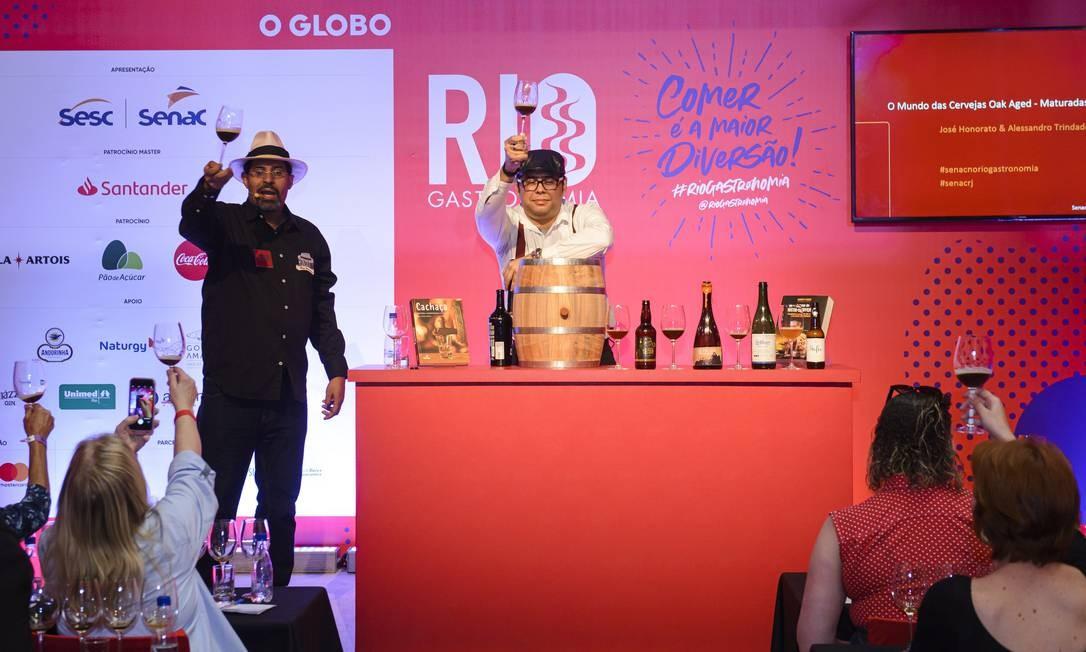 Palestra durante o Rio Gastronomia fala sobre mercado cervejeiro no país e oferece degustação de sabores inusitados da bebida Foto: Fabio Cordeiro