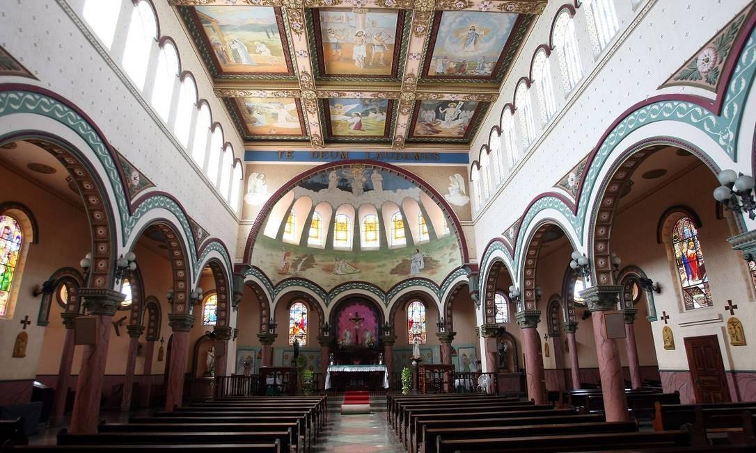 Interior da Igreja de Bom Jesus do Itabapoana, na cidade do mesmo nome, que faz parte da região turística Águas do Noroeste Foto: Felipe Hanower / Agência O Globo
