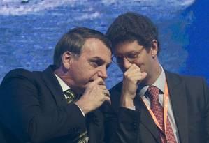 O presidente Jair Bolsonaro e o ministro do Meio Ambiente, Ricardo Salles, críticos dos dados oficiais do Inpe sobre desmatamento Foto: Edilson Dantas - 6-8-19 / Agência O Globo