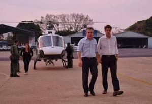 O ministro Ricardo Salles (à direita), ao lado do governador do Mato Grosso, Mauro Mendes, no Aeroporto de Cuiabá Foto: Divulgação/MMA