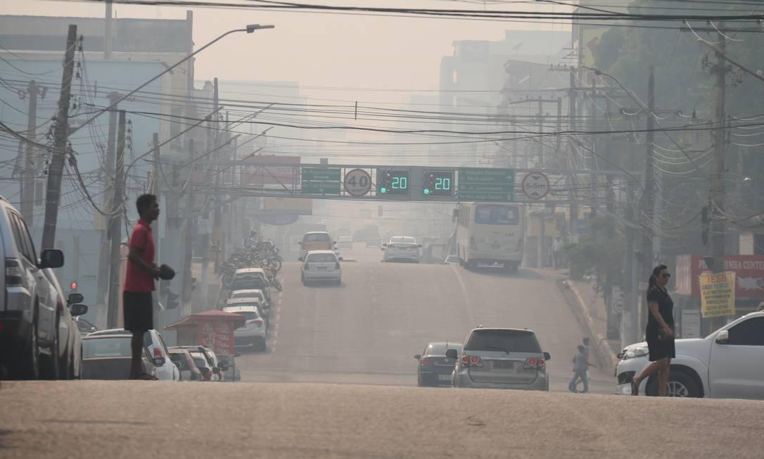 Foto do dia 16 de agosto mostra cidade de Porto Velho, capital do estado de Rondônia, encoberta pela fumaça dos incêndios na região de mata Foto: Roni Carvalho/Diário da Amazônia / Agência O Globo