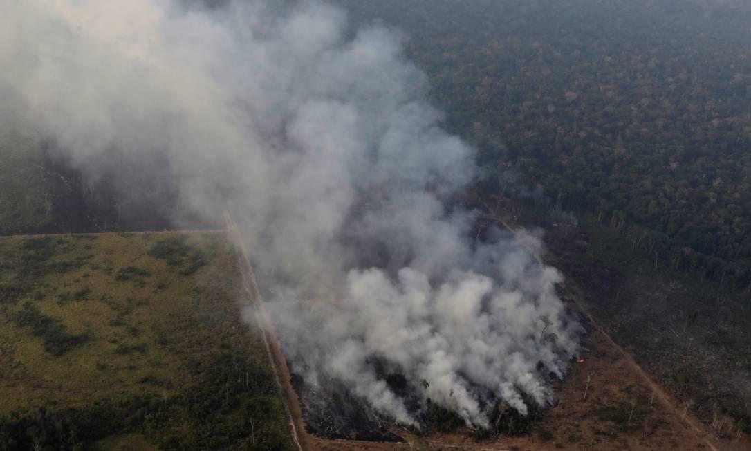 Mata incendiada no entorno de Porto Velho, Rondônia. Segundo dados do Programa Queimadas, do Instituto Nacional de Pesquisas Espaciais (Inpe), a Amazônia concentra mais da metade (52,5%) dos focos de queimadas de 2019 no Brasil Foto: UESLEI MARCELINO / REUTERS
