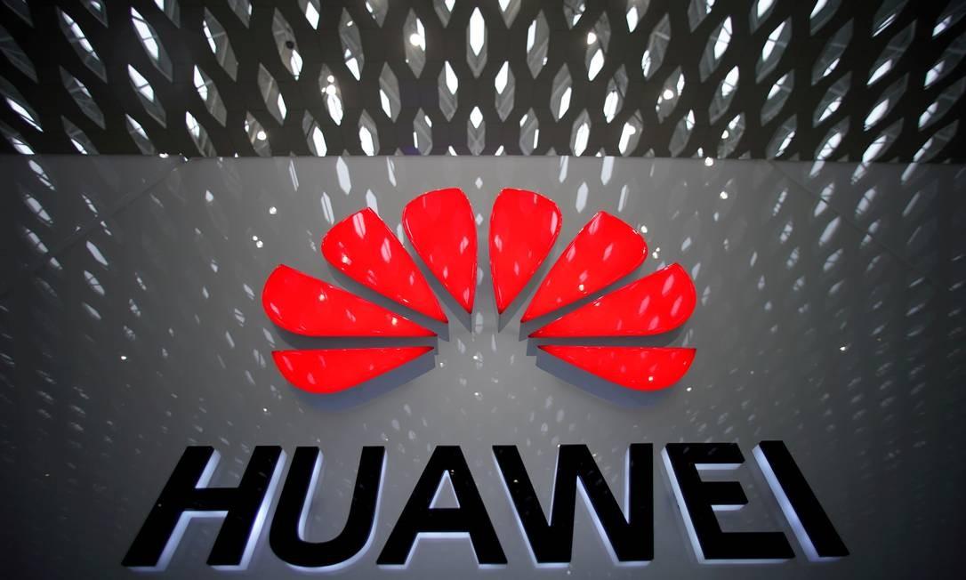 A Huawei foi alvo de sanções impostas pelo governo americano que a proíbem de comprar peças e componentes de firmas americanas Foto: Aly Song / REUTERS