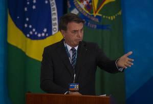 Bolsonaro rebateu críticas do presidente francês, Emmanuel Macron Foto: Daniel Marenco / Agência O Globo