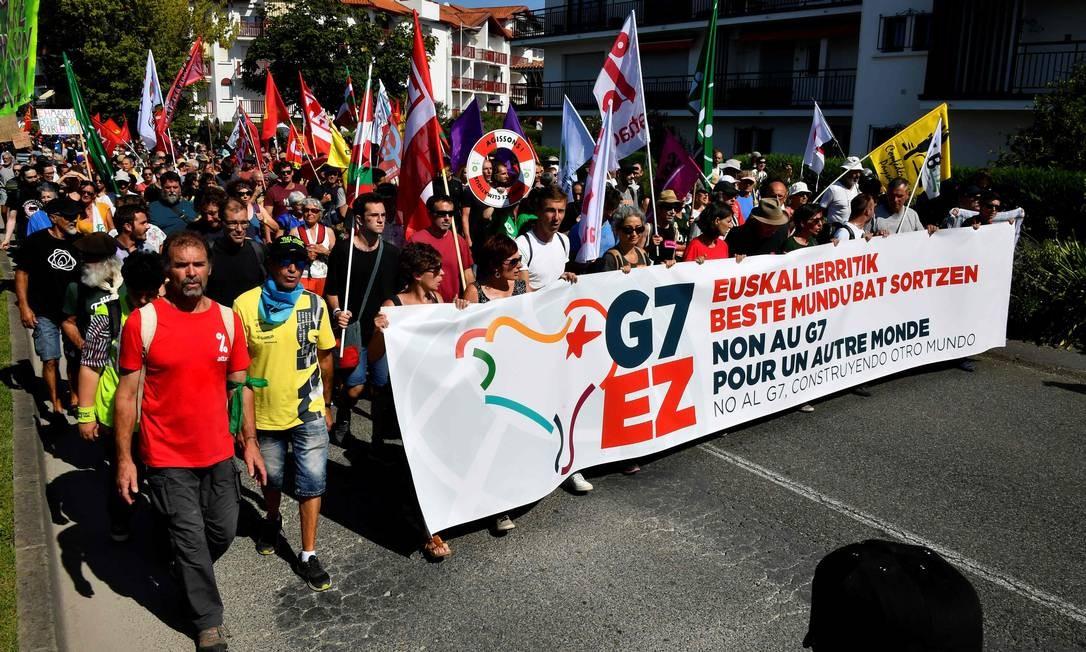 Protesto na França acontece durante o primeiro dia da Cúpula do G7 em Biarritz, na qual participam os líderes das sete potências econômicas do mundo Foto: Georges Gobet / AFP