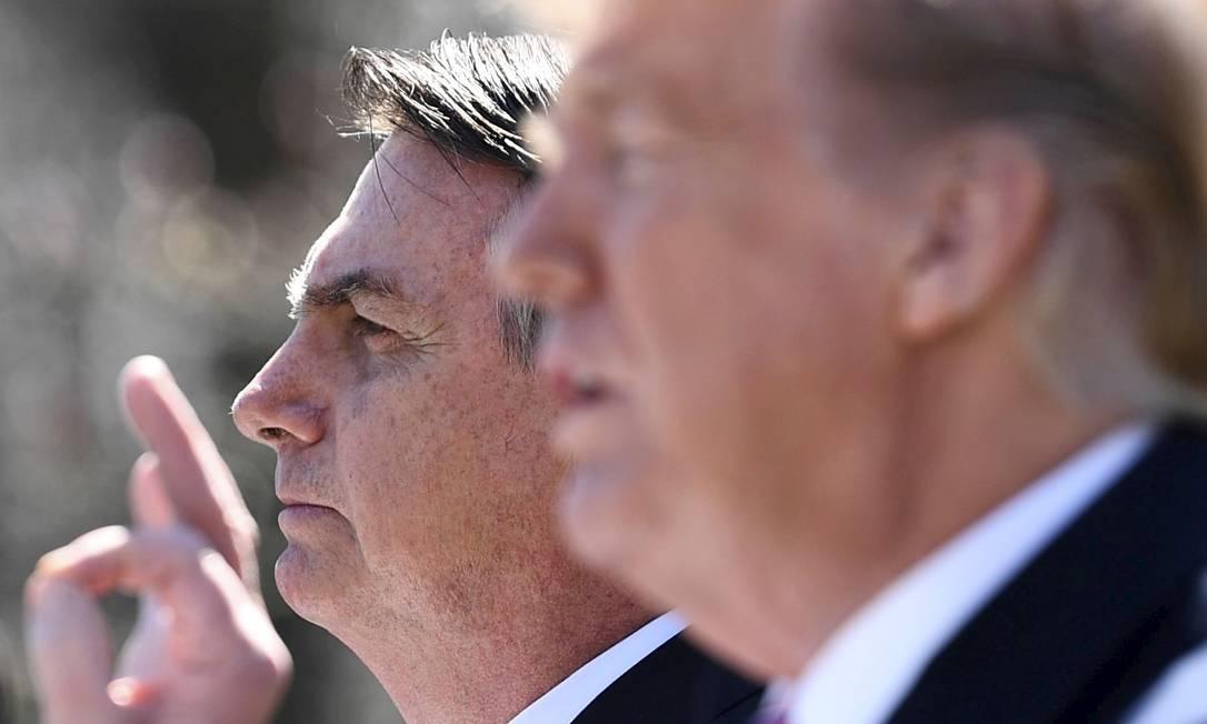 Presidente dos EUA, Donald Trump discursa ao lado de líder brasileiro, Jair Bolsonaro, em Washington Foto: BRENDAN SMIALOWSKI 19-03-2019 / Agência O Globo