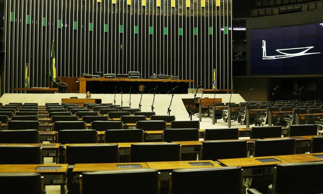 Plenário da Câmara dos Deputados: minuta da PEC do Fundeb que será discutida na Casa destaca determina até 40% de complementação Foto: Givaldo Barbosa / Agência O Globo