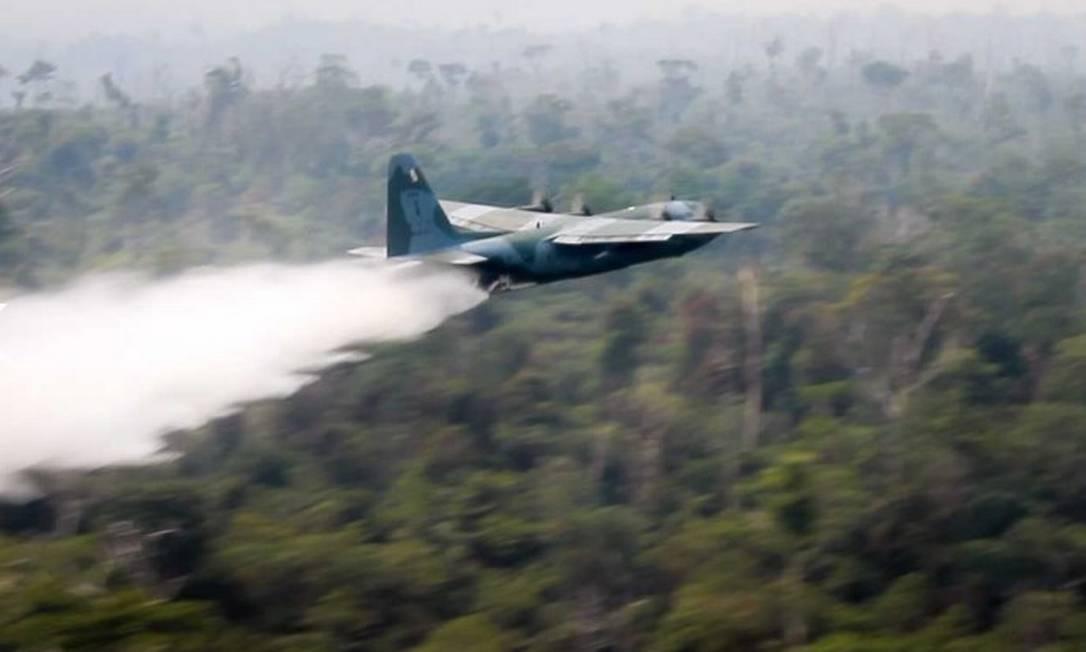 Força Aérea emprega aeronave C-130 Hércules no combate aos incêndios na Amazônia Foto: Divulgação/FAB