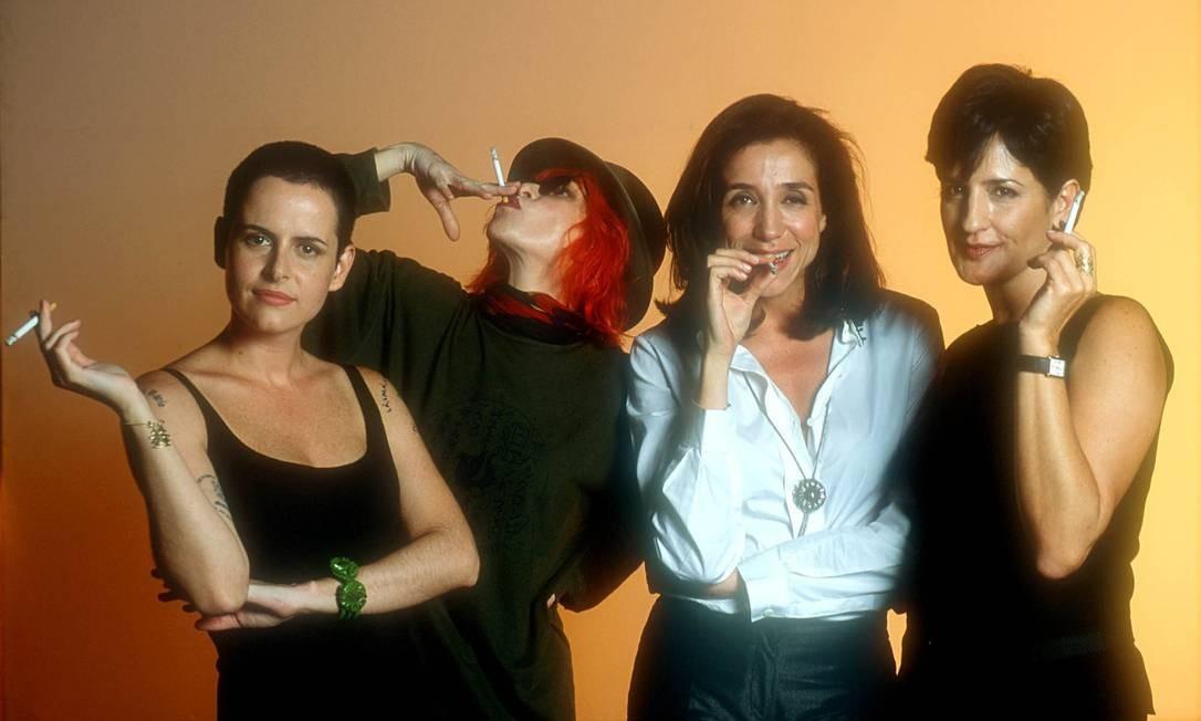 """Fernanda Young (à esquerda) com Rita Lee, Mariza Orth e Mônica Waldvogel, na primeira versão do programa """"Saia Justa"""", do GNT Foto: Divulgação"""