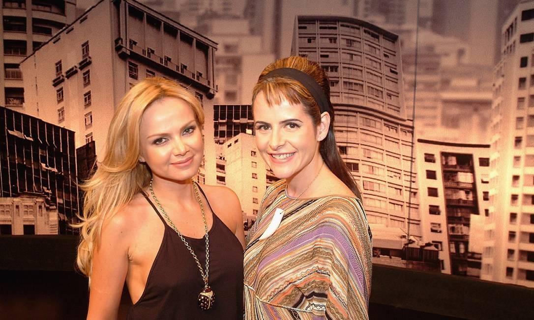 """Bastidores de """"Irritando Fernanda Young"""". Fernanda Young (esquerda) ao lado da apresentadora Eliana Foto: Márcia Alves / Divulgação"""
