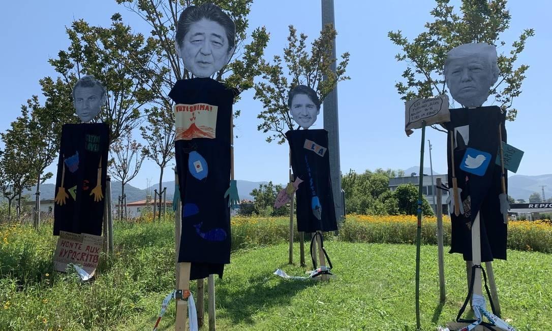 Caricaturas de líderes do G-7 com mensagens ambientalistas e anticorporações, em Irún, Espanha Foto: Alessandro Soler
