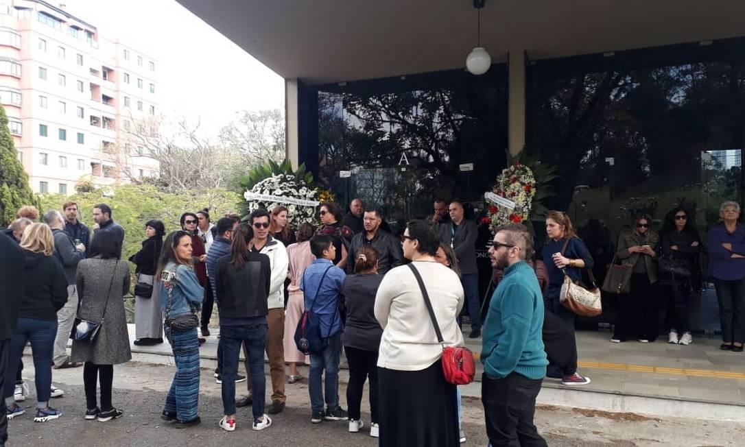 Amigos, admiradores e conhecidos no velório de Fernanda Young, em São Paulo Foto: Ruan de Sousa Gabriel / Agência O Globo