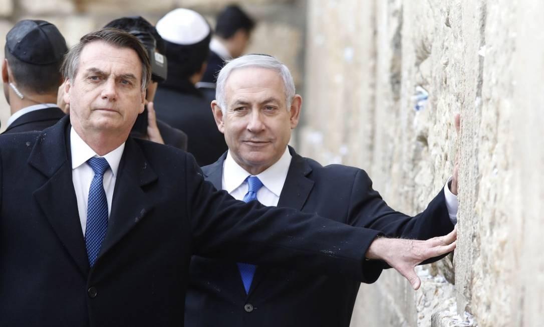 Presidente Jair Bolsonaro e primeiro-ministro israelense Benjamin Netanyahu, durante visita do líder brasileiro a Jerusalém Foto: MENAHEM KAHANA / AFP / 01-04-2019