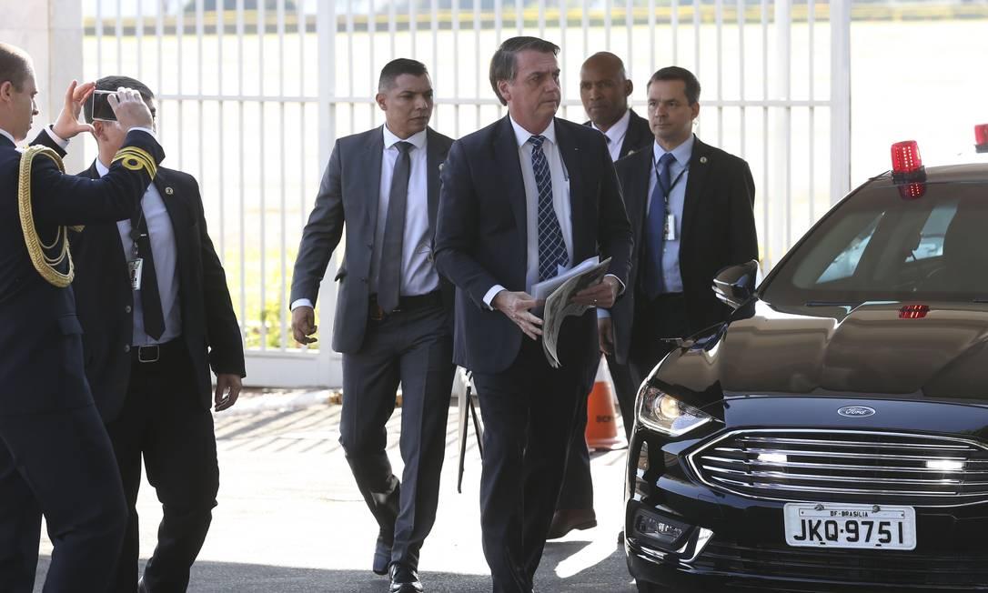 """Presidente Jair Bolsonaro elevou o tom das críticas ao francês Emmanuel Macron, dizendo que não vai aceitar que o Brasil seja tratado """"como terra de ninguém"""" Foto: Antonio Cruz/ Agência Brasil / Agência O Globo"""