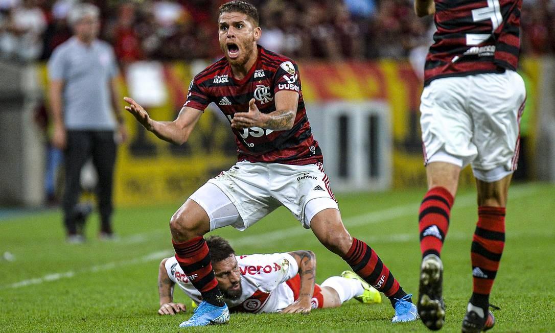 Cuéllar em ação contra o Inter no Maracanã Foto: Divulgação