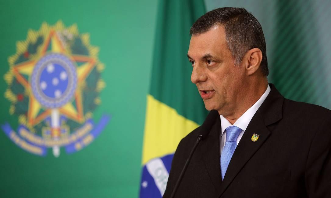 O porta voz da Presidência da República, Otávio Rego Barros, diz que governo não 'rasga dinheiro' Foto: Jorge William / Agência O Globo
