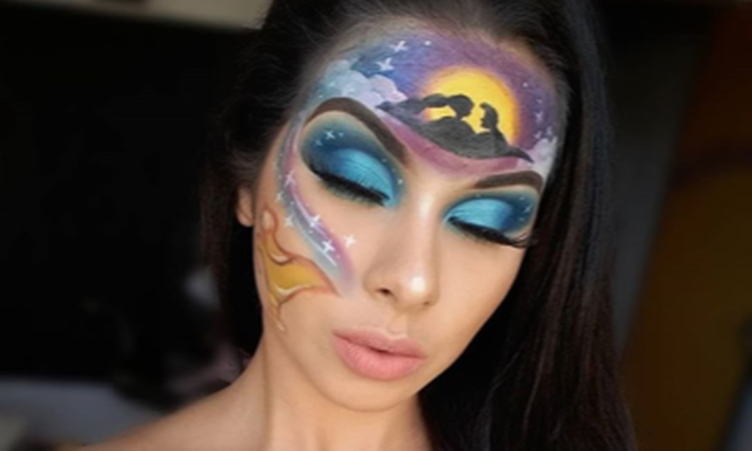 Além da pintura inspirada na Amazônia, Hosana já produziu outros maquiagens temáticas como esta do filme Aladdin Foto: Reprodução