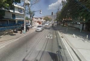 O trecho da Estrada do Engenho onde a granada foi deixada Foto: Google Street View / Reprodução