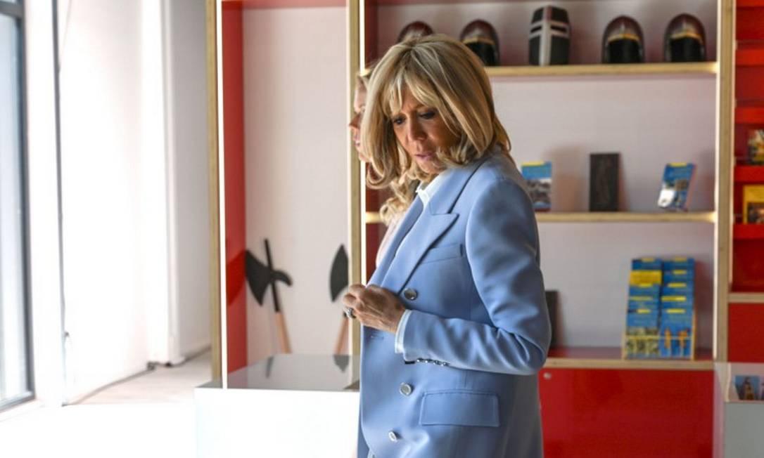 Brigitte Macron durante evento oficial nesta quinta-feira Foto: DENIS CHARLET / AFP