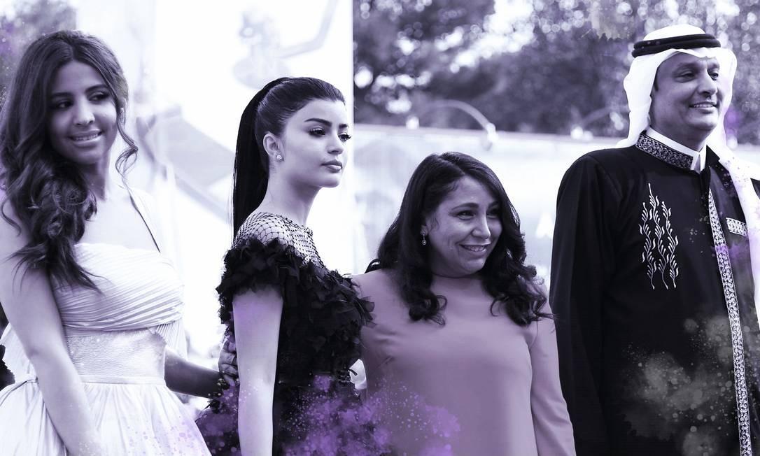 As atrizes sauditas Dhay (à esquerda) e Mila Al Zahrani, a diretora Haifaa al-Mansour o ator Khalid Abdulrhim chegam para a sessão de