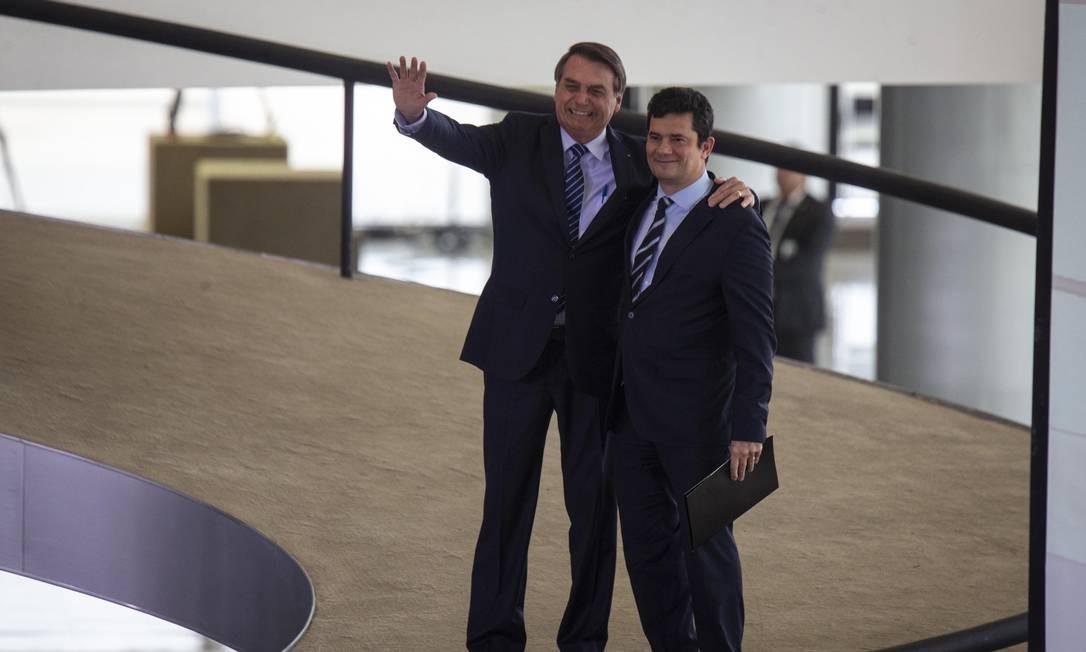 Resultado de imagem para Em Frente, Brasil Bolsonaro e Moro juntos